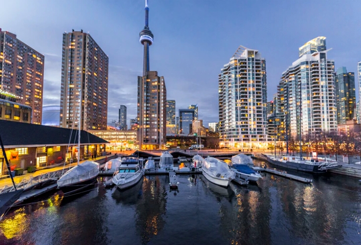 Picture of Toronto, Canada which is one of the best countries to make more money